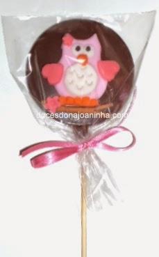 Pirulito de chocolate decorado Corujinha em embalagem para lembrancinha