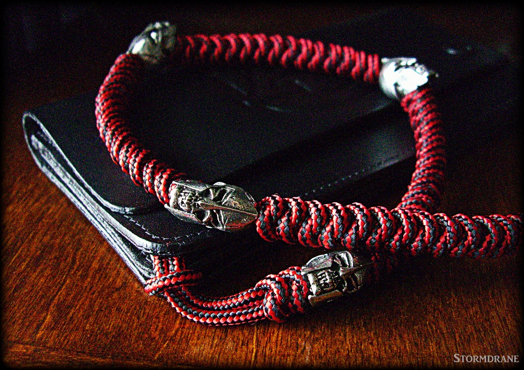 Stormdrane 39 s blog a two strand wall sinnet paracord for How to make a paracord wallet chain