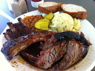 Off the Bone Barbeque Barbecue BBQ Bar-B-Q Bar-B-Que Dallas Texas DFW Combo Meat Brisket Ribs Potato Salad Baked Beans