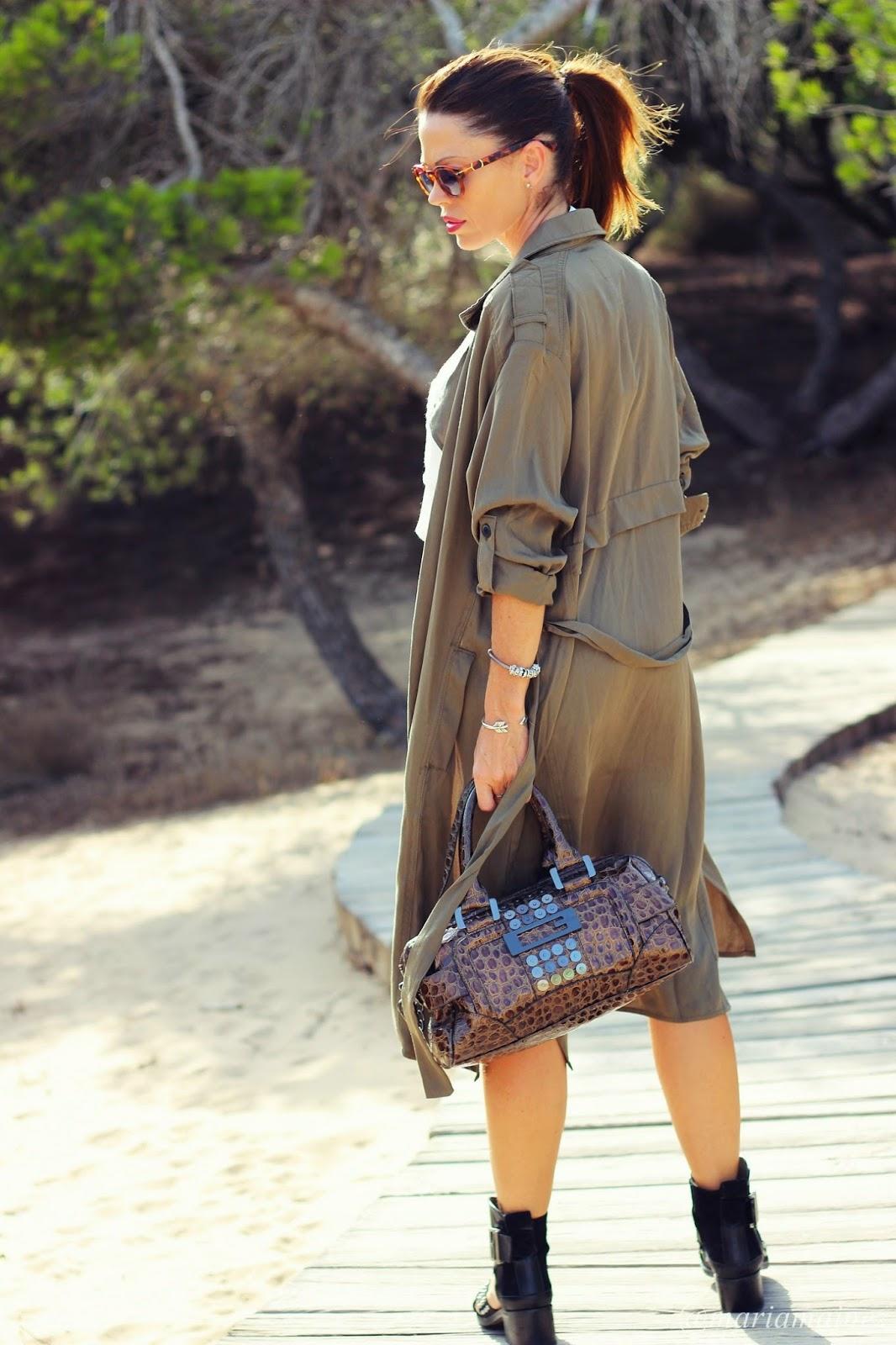 Outfit Otoño 2014 - Tendencia Maxi blazer - Verde militar - blogger Alicante - fashion blogger