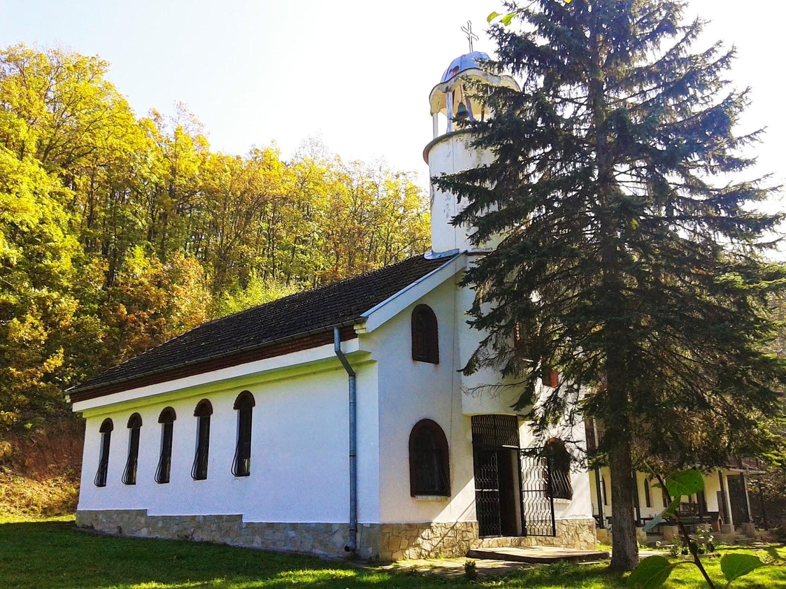Църквата в Урвичкия манастир Св. Николай Летни Чудотворец