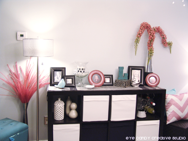 dining room wall facelist, white vinyl decorating, black and white decor