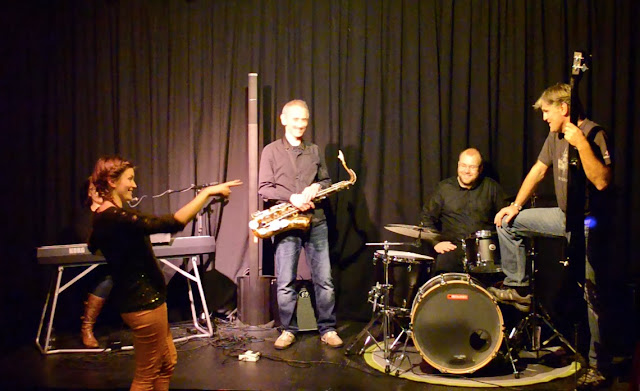 Nadja Bertelli Band besøker BertaSofie konsertdesigns øvingsscenen i Trondheim.