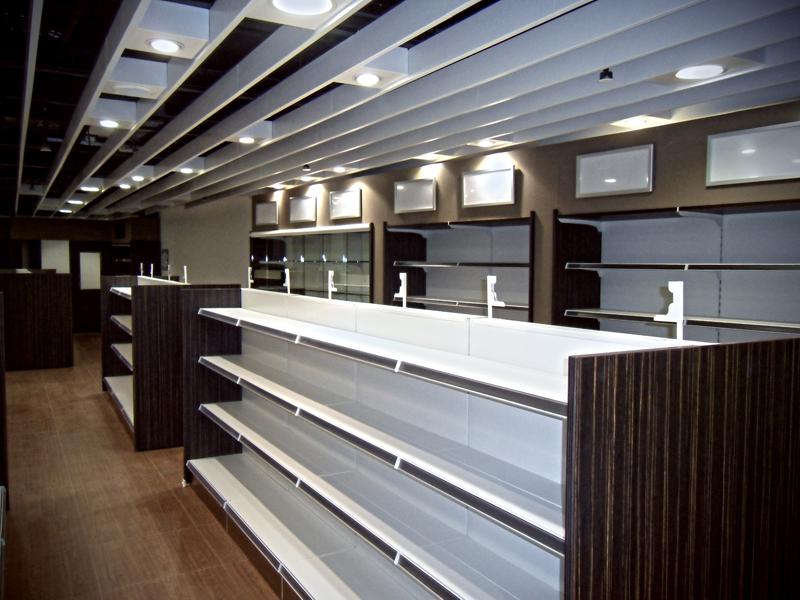 Azienda di scaffali a napoli caserta in campania for Arredo negozi napoli