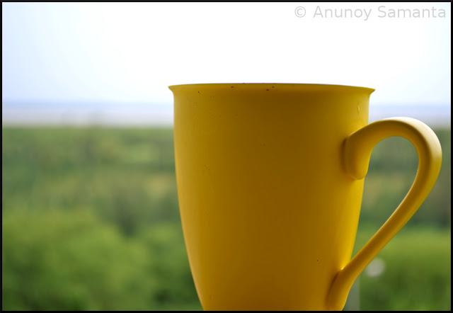 Learning Minimalist Photography with my Coffee Mug
