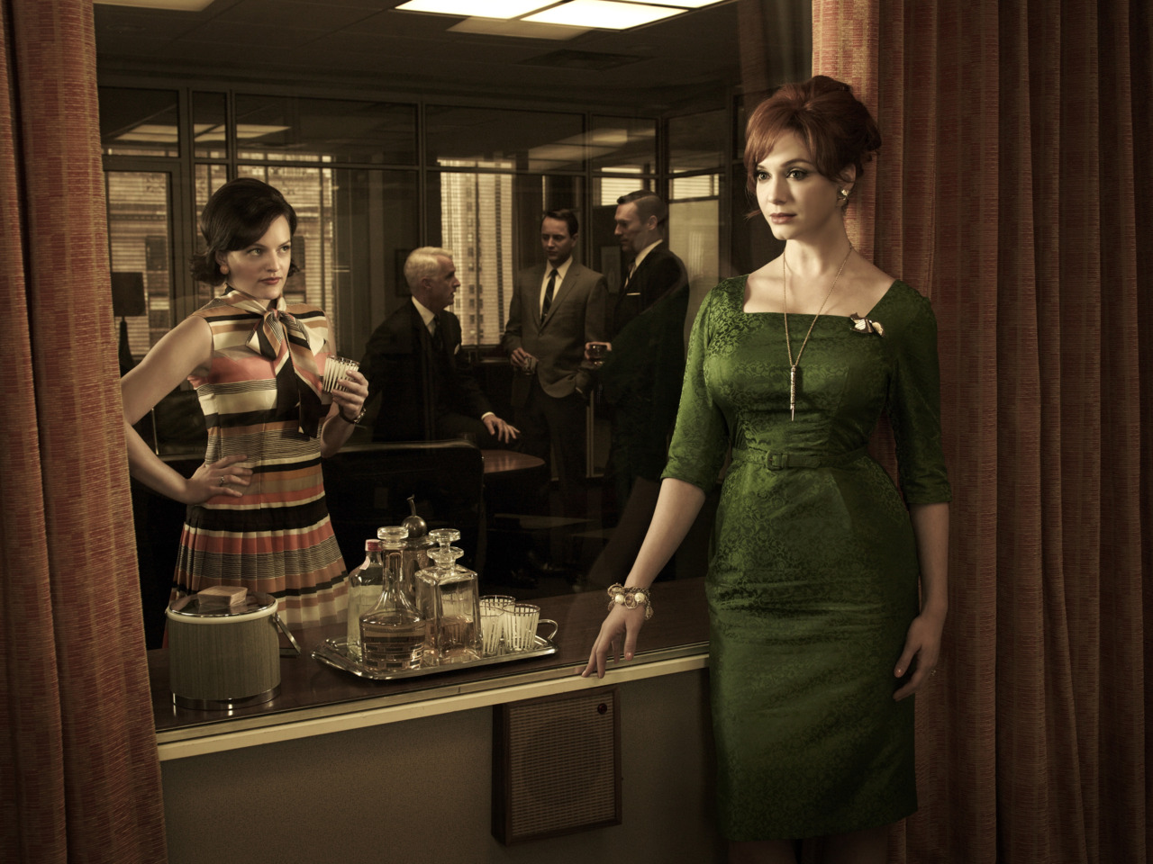 Mad Men Season 5 Cast Photo, Joan Green Dress