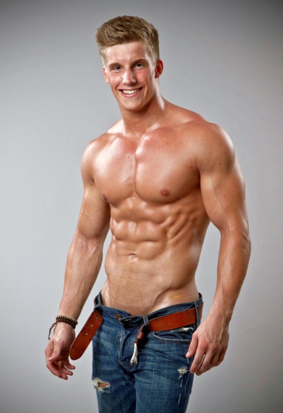 Body builder nude pics 144
