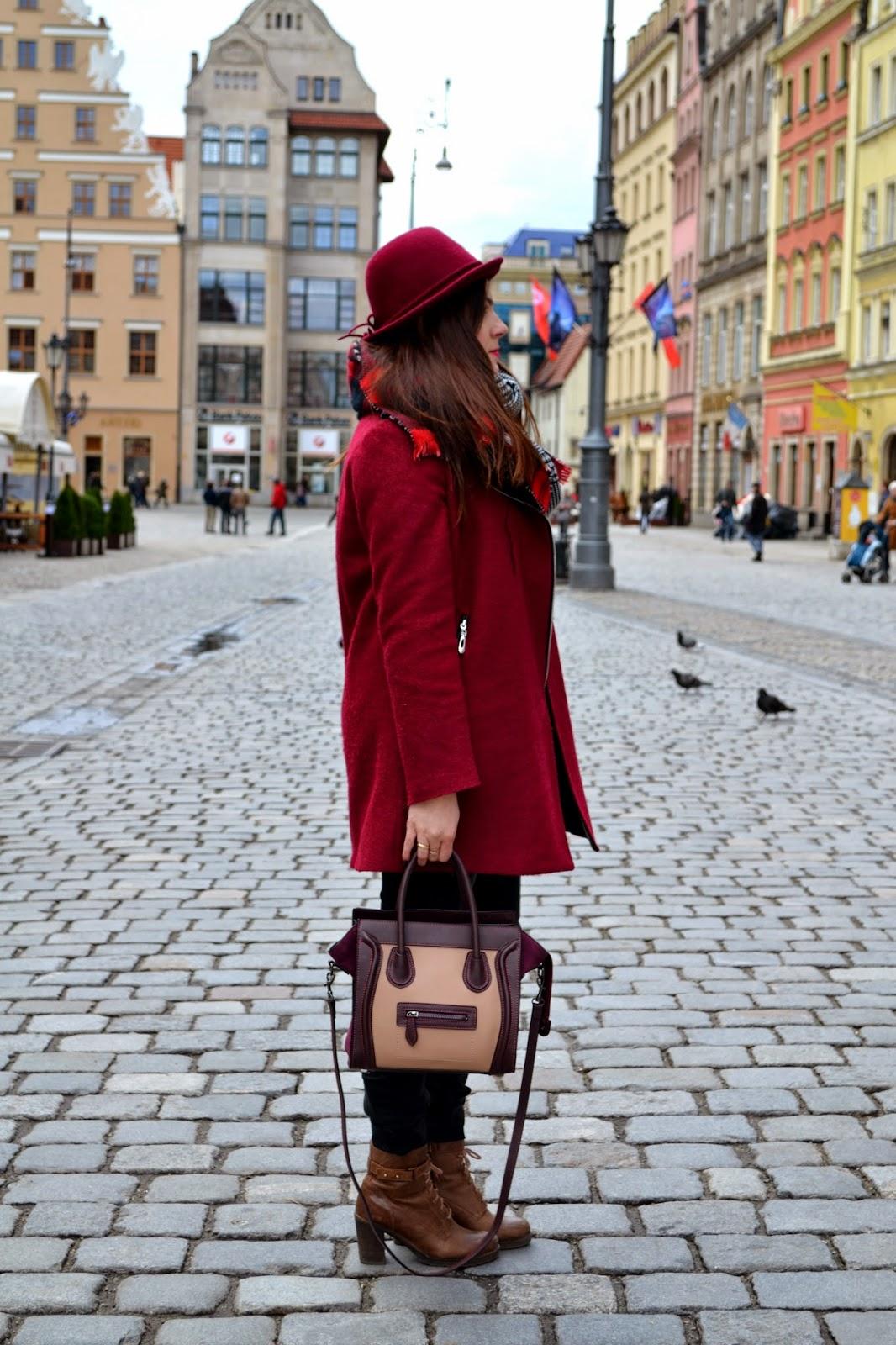 casual, codzienny zestaw, zestaw z płaszczem, botki Lasocki, bordowy płaszcz, marsala, vixen fashion