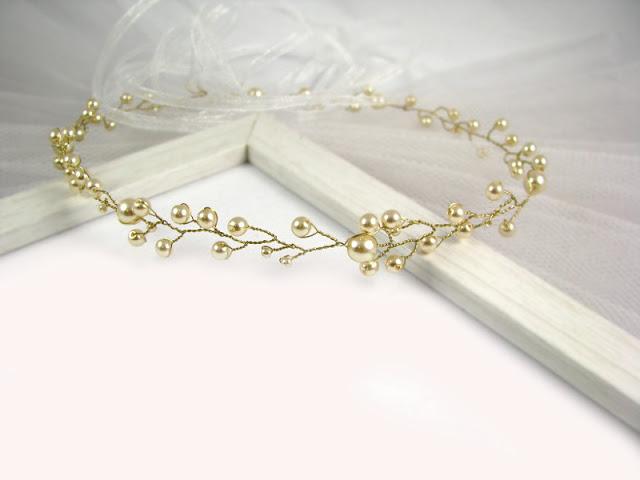 Tiara ślubna z perłami w kolorze złotym, kolekcja Airy.