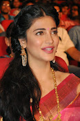 Shruti haasan new photos in saree-thumbnail-9