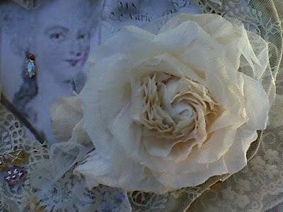 Rozen van papier brocante bijouteriedoosje met papieren roos - Wc a l oud ...