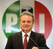 Pedro Joaquín Coldwell, líder del PRI, anuncia la defensa del triunfo de Paña Nieto.