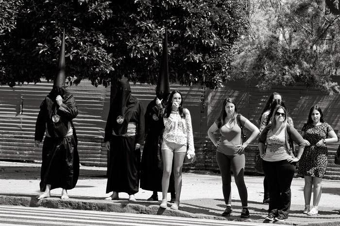 Semana Santa Sevilla, Nazarenos de los Estudiantes