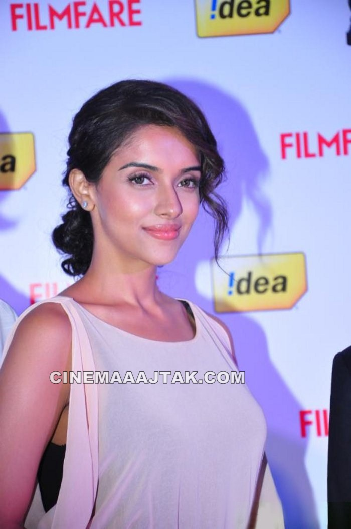 Asin1 - Asin At 57th Idea Filmfare Awards 2011 Launch New Images