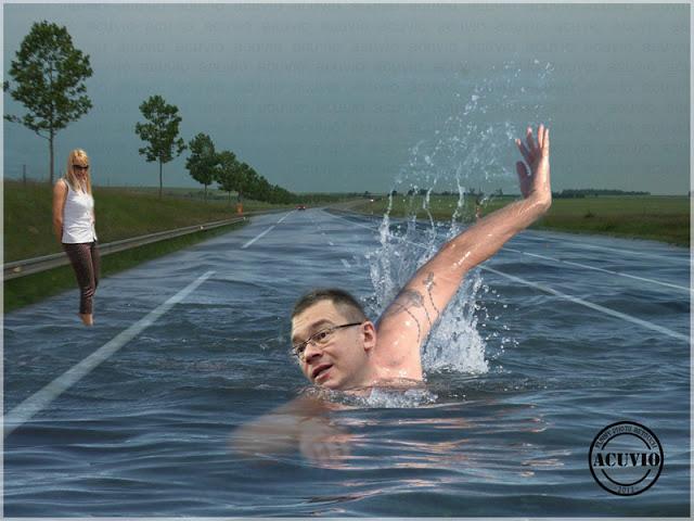 Funny photo Mihai Răzvan Ungureanu Elena Udrea O ţară de înotători