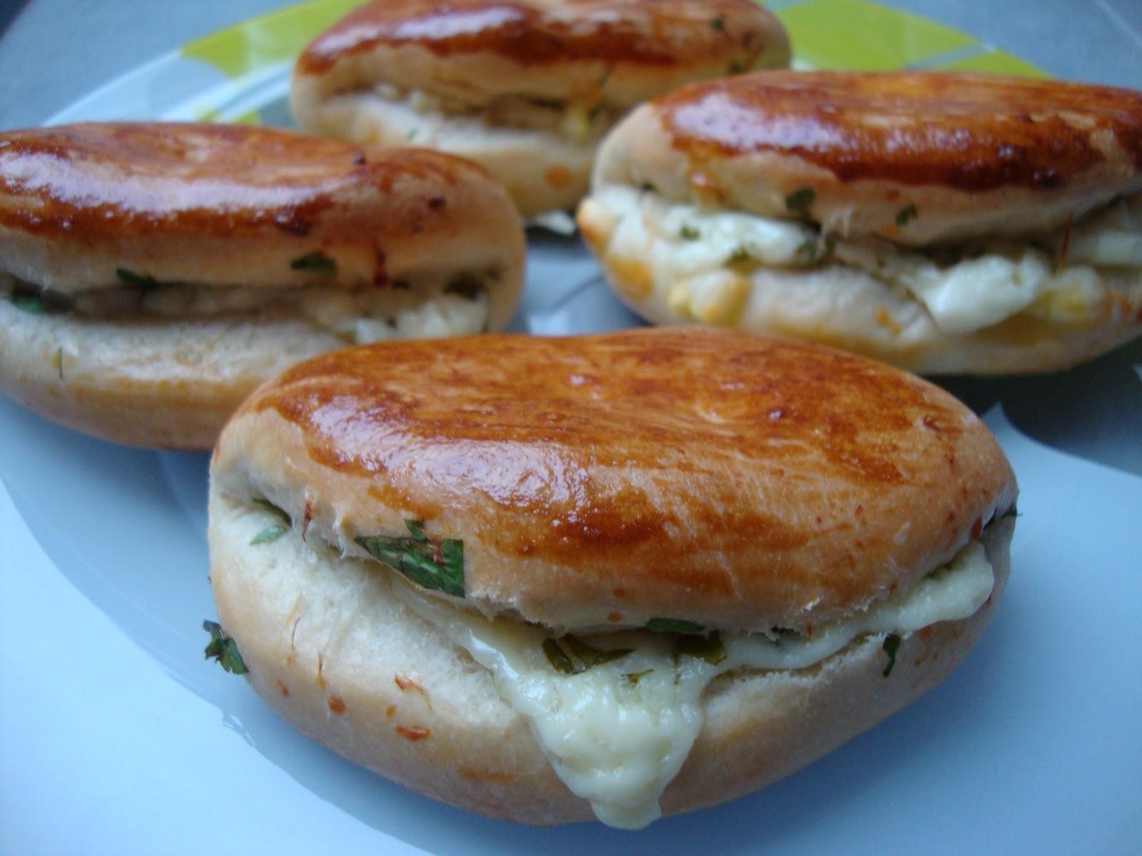 La cuisine de mon pays la turquie po a a petit pains fourr s aux fromages - La cuisine des petits ...