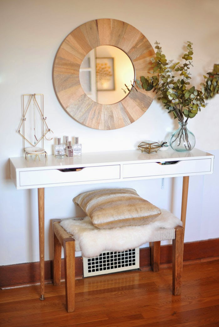 DIY Modern And Minimal Makeup Vanity Table
