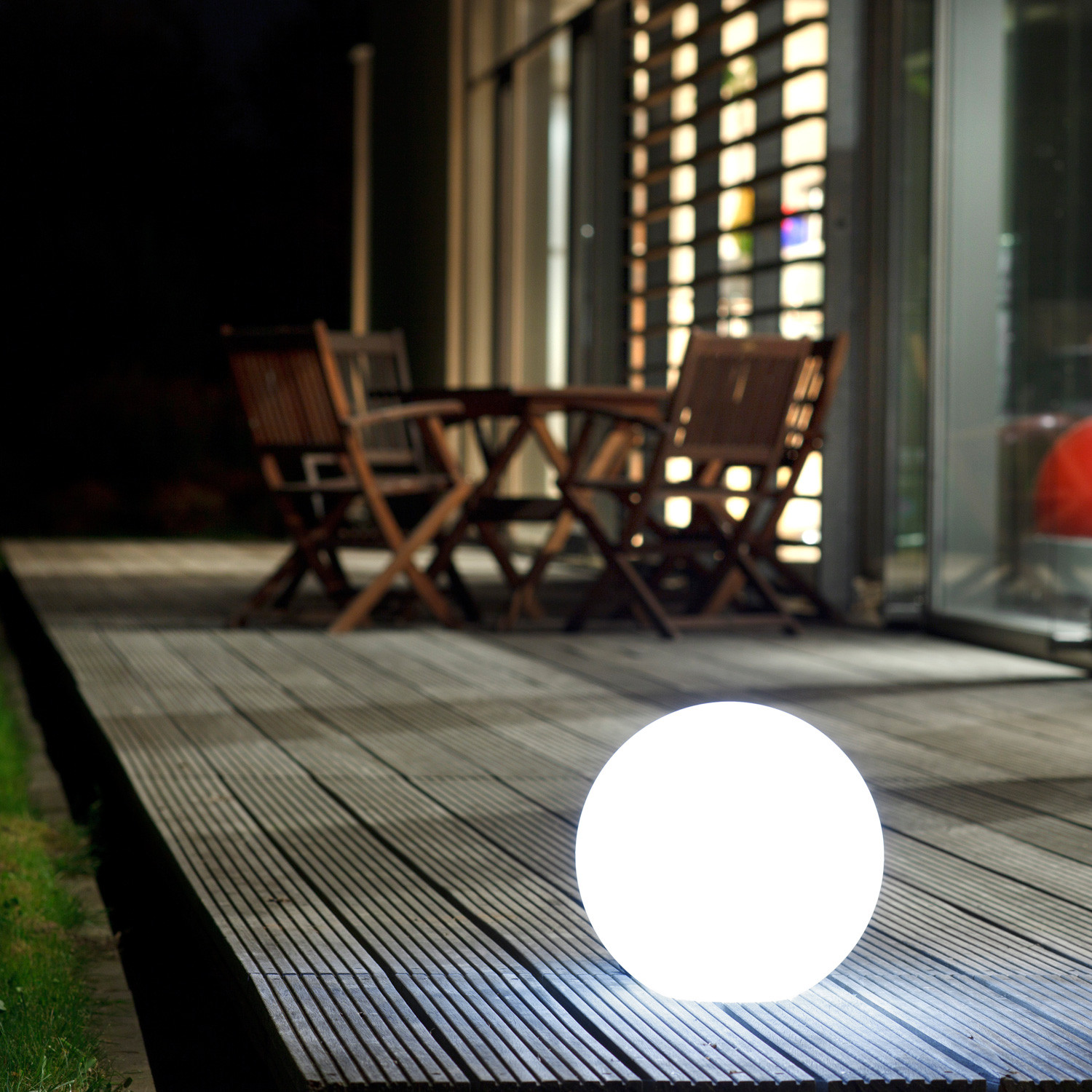 Ball Light by Sophie Ruhland