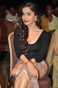 Aparna Bajpai sizzling photo shoot-thumbnail-11