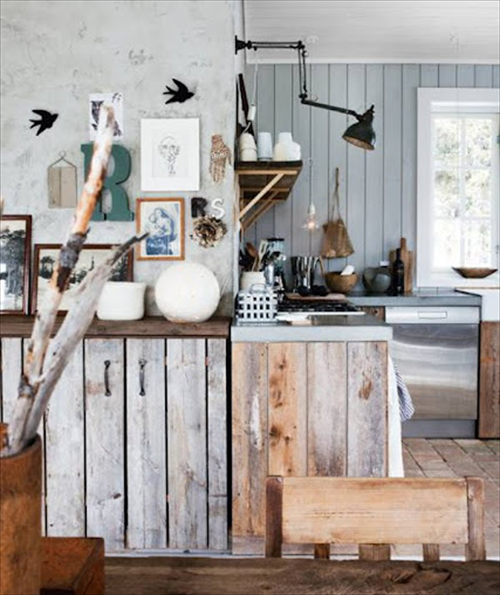 Pictures of Rustic Kitchens with Old Pallets