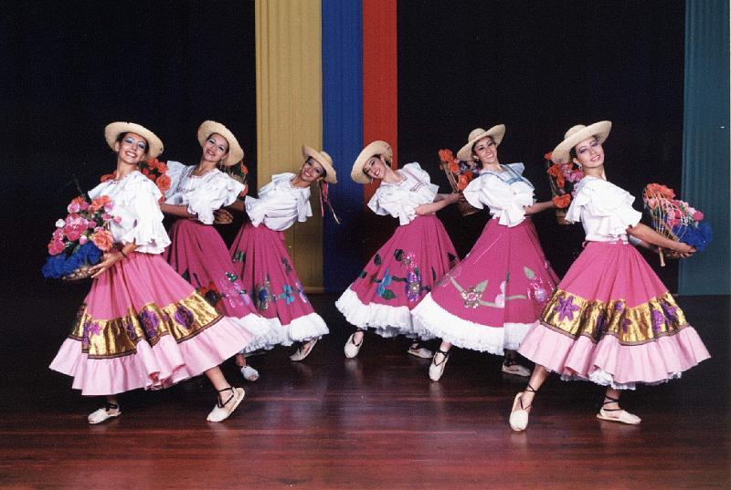 Bailes T  Picos En Colombia Y Chile
