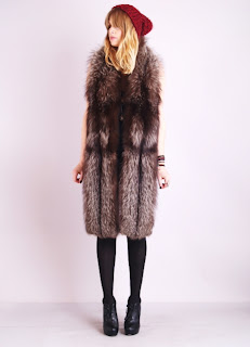 Vintage 1960's long brown fox fur stole wrap scarf.