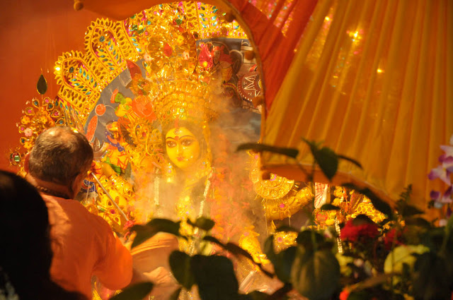 Mahaastami Sandhya Aarati at my neighbour's house was a truly memorable experience. Shot with the Nikon D300 and the Nikon 18-70mm zoom @ 1600 ASA.