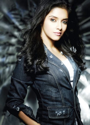 Asin Gorgious Pictures