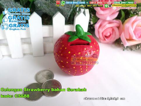 Celengan Strawberry Bahan Gerabah