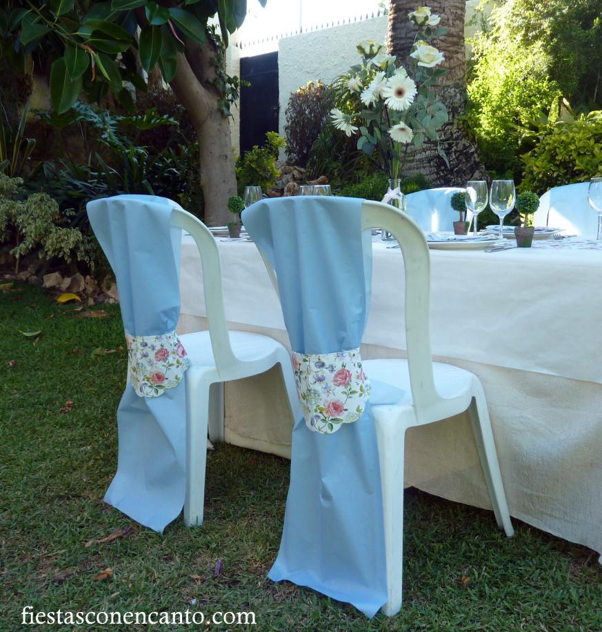 Fiestas con encanto mesa de comuni n o bautizo en rosa y for Caminos para mesas redondas