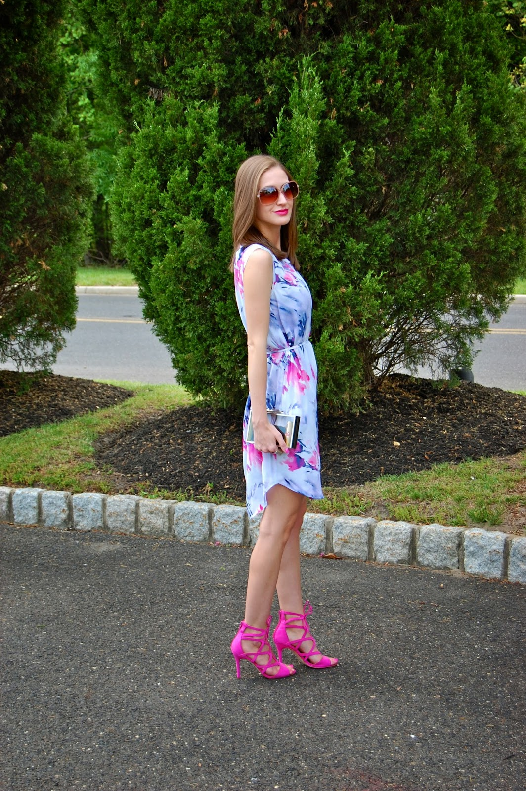 Wearing Simply Vera Wang Floral Shift Dress, Just Fab Emmey in Violet, Bcbg Maxazria Lucite Clutch