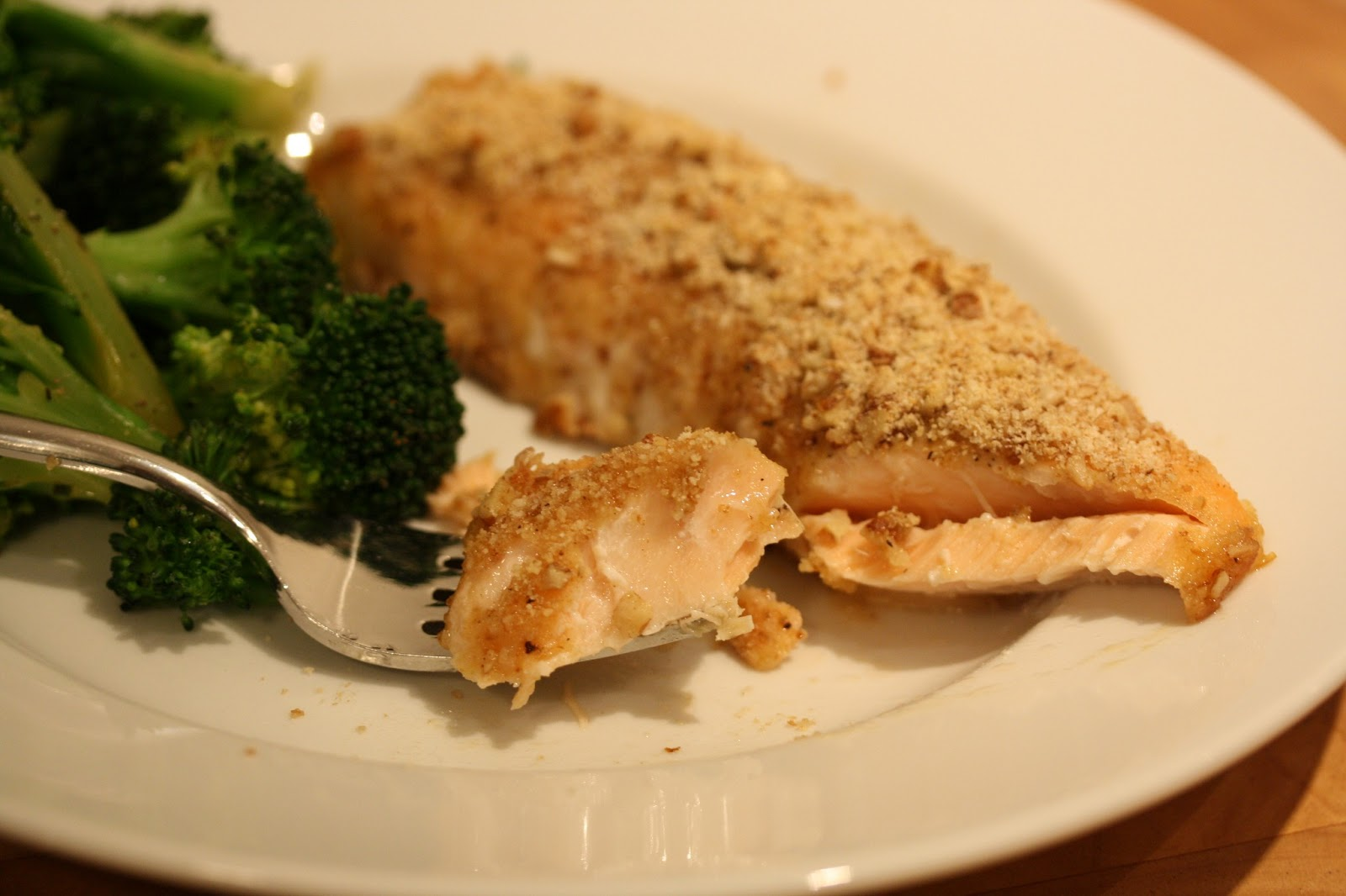 Hot Dinner Happy Home: Baked Honey Dijon Salmon