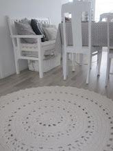Tilauksesta virkattuja mattoja