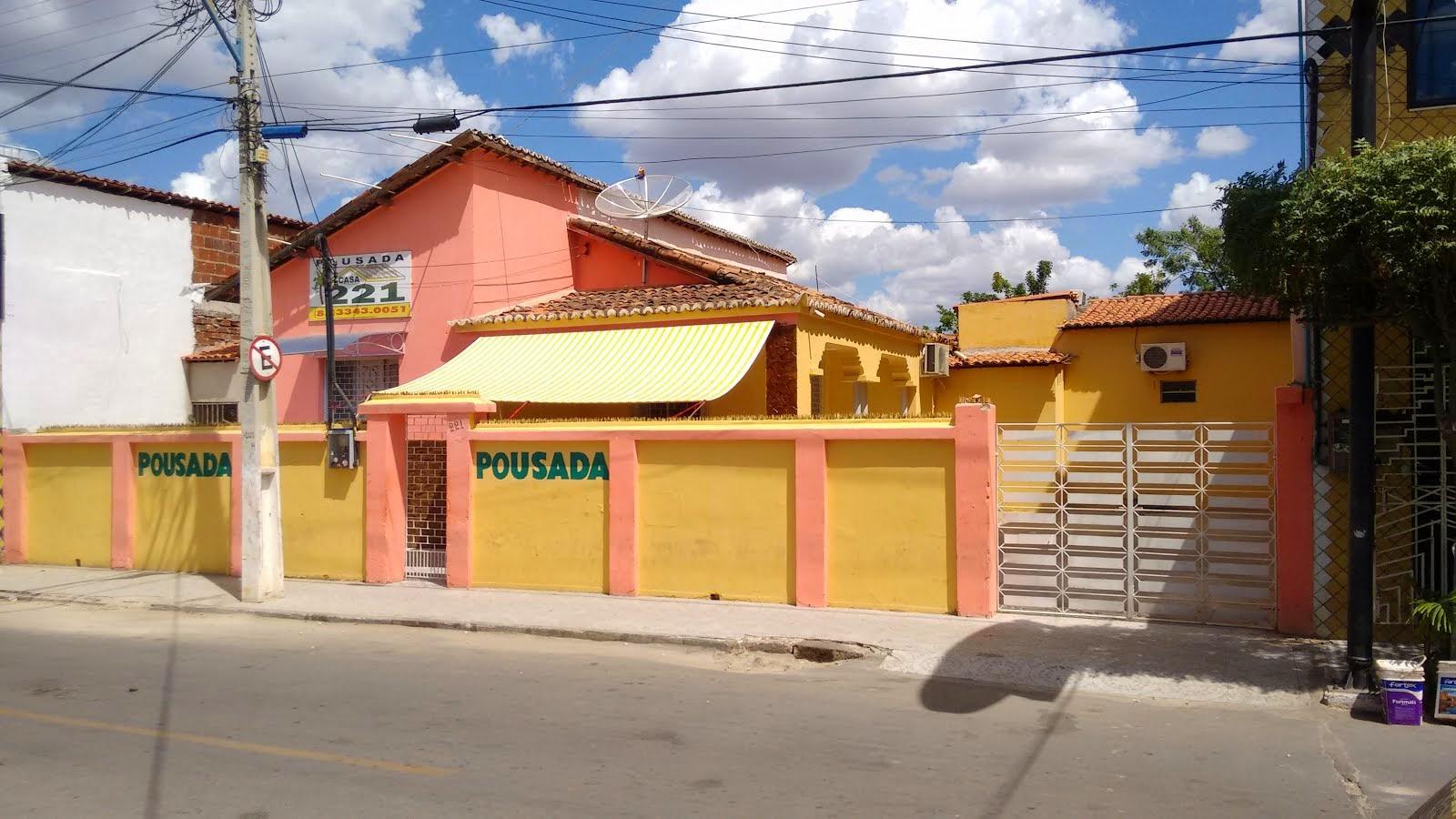 POUSADA 221 - Rua João Pinto Damasceno, 221 - Centro - Canindé/CE (85) 3343-1009 / 3343-0051