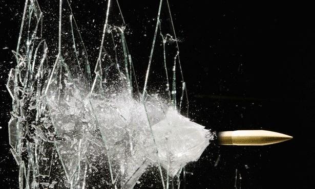 كيف يعمل الزجاج المقاوم للرصاص وماهي مكوناته ؟