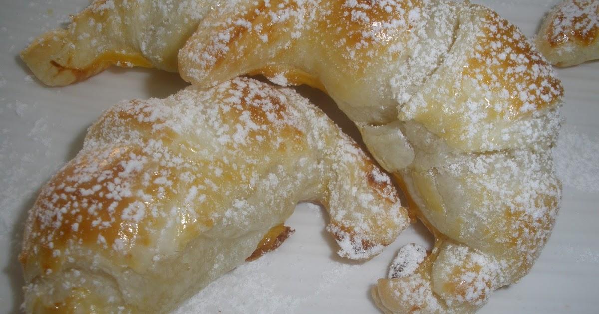 Mini croissants rellenos de almendra