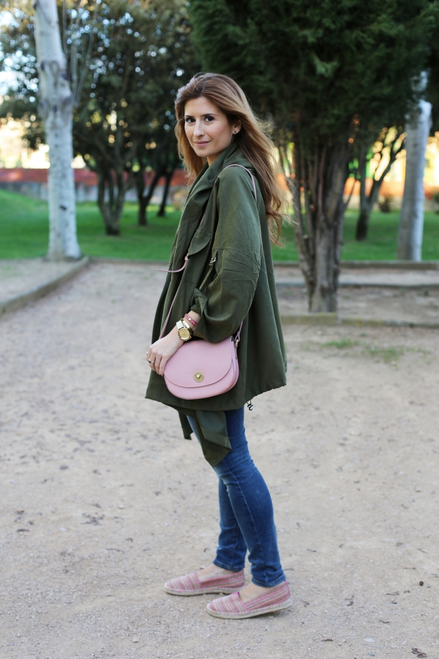 Casual look wiht green parka