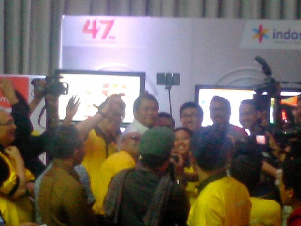 Rudiantara Selfie Bareng Alexander Rusli di HUT 47 Tahun Indosat