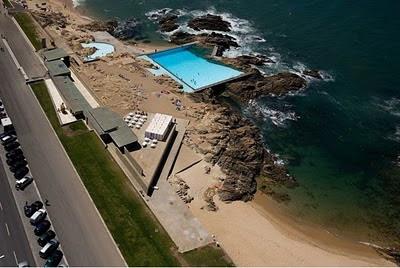 F s a rquitecturar le a da palmeira barcelona swimming pools lvaro siza vieira for Alvaro siza leca swimming pools