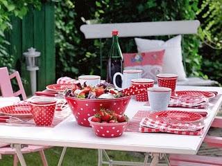 http://3.bp.blogspot.com/-tr2-cz57mIc/TlpfspUJ4JI/AAAAAAAAAzw/eMqLN5Ix8GI/s1600/festa+de+bola.jpg