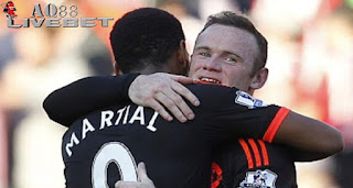 Liputan Bola - Kapten Manchester United, Wayne Rooney, menyatakan kekagumannya terhadap talenta yang diperlihatkan oleh penyerang muda anyar Setan Merah musim ini