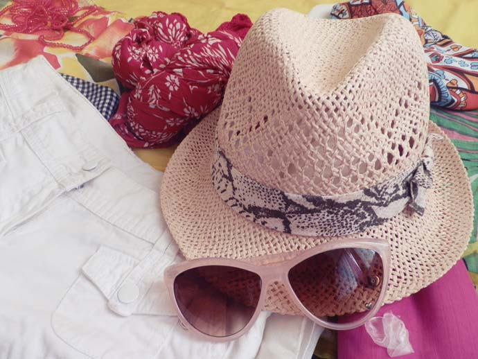 Pink fedora and retro sunglasses from H&M