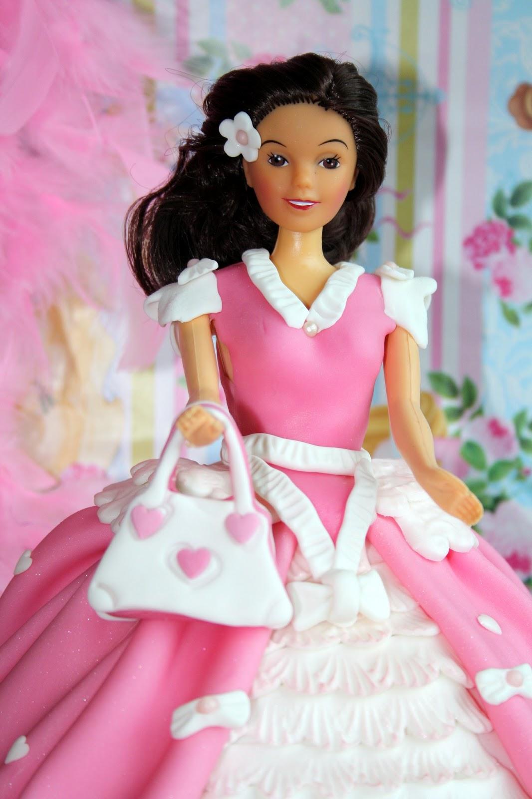 Una tarta para una princesa de 4 añitos... TARTA PRINCESA FANTASÍA ...