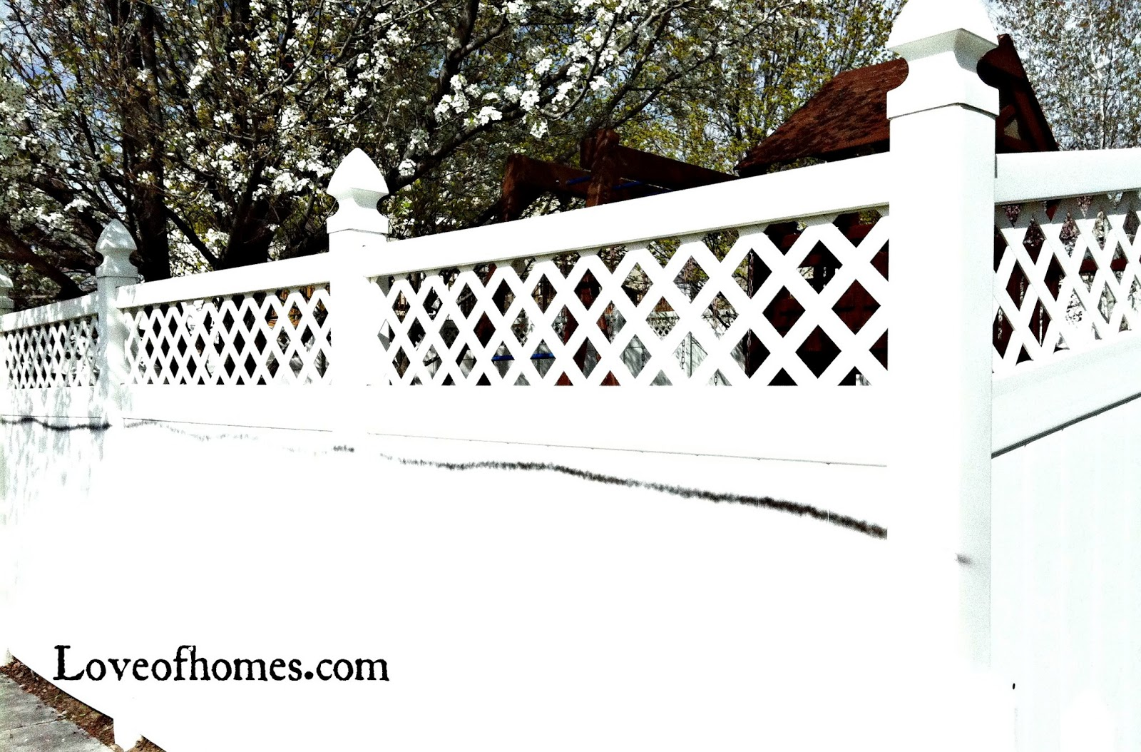 love of homes how to remove spray paint from a vinyl fence. Black Bedroom Furniture Sets. Home Design Ideas
