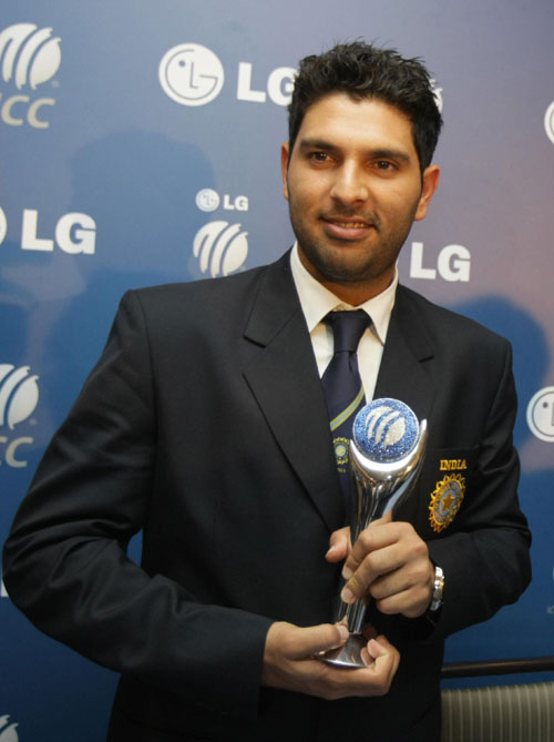 yuvraj singh with world cup yuvraj singh awesome images yuvi cool    Yuvraj Singh