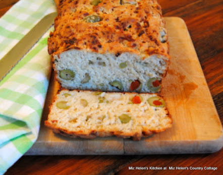 Cheesy Olive Beer Bread