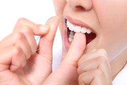 Waspadai Gusi Berdarah Mungkin Itu Penyakit Gingivitis