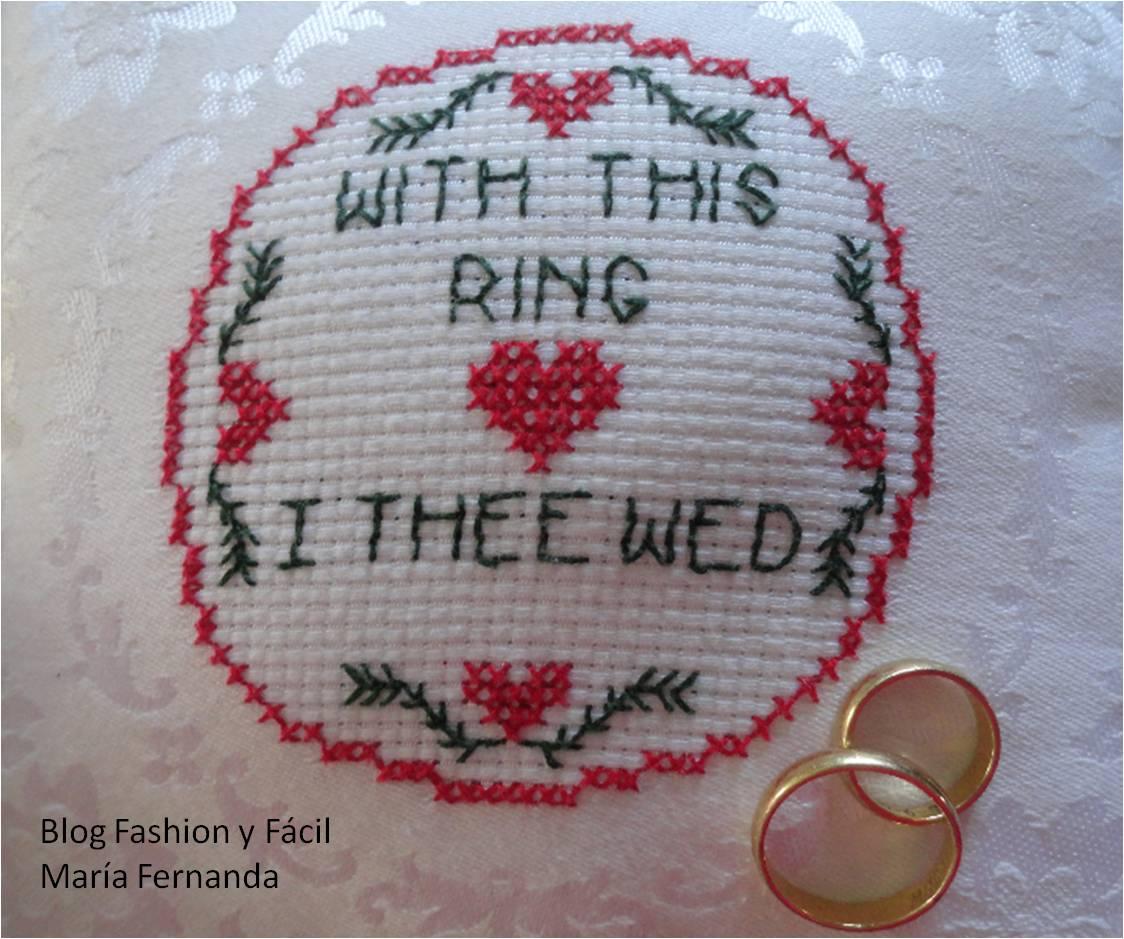 Paso 3. Rellena y termina de coser cerrando el orificio por donde