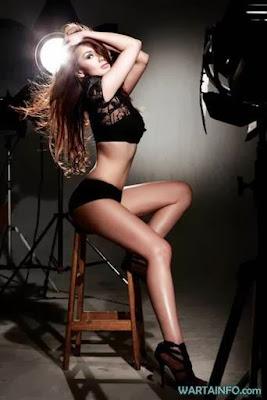 Di bawah ini Beberapa Foto Cantik Seksi dan Hot Sara Wijayanto