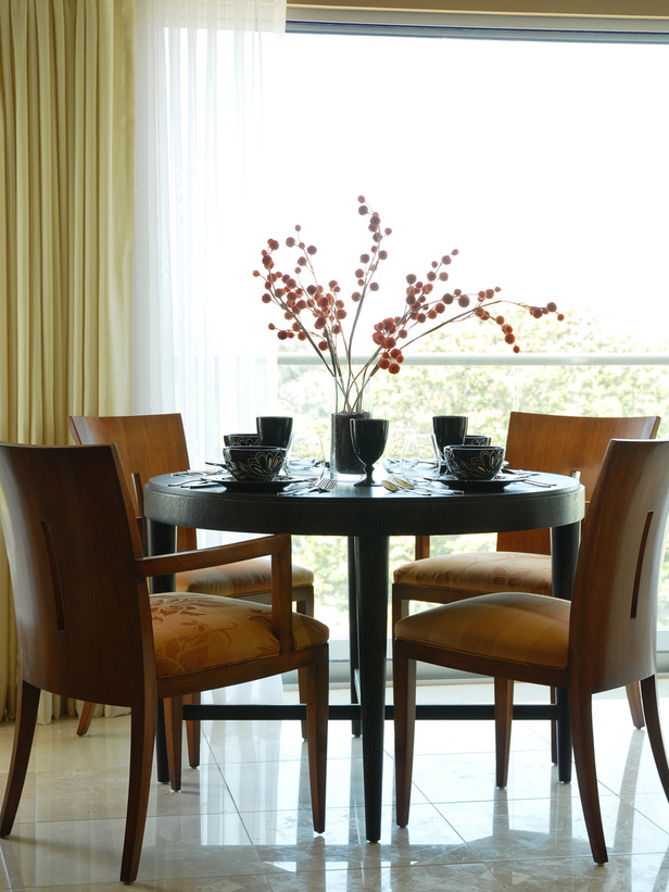 Asian dining rooms designs decorating idea for Asian dining room ideas